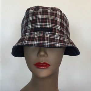 Authentic Burberry Bucky Hat. Like New